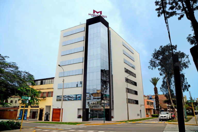 Edificio de Hotel Mariategui