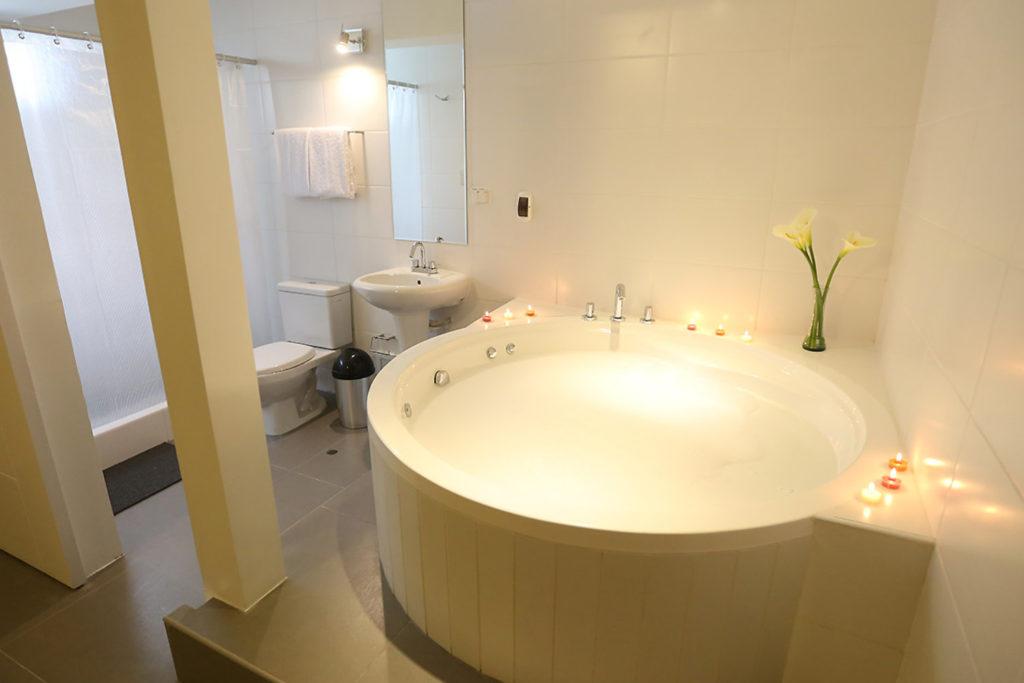 Habitación Suite con jacuzzi de Hotel Mariategui